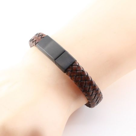 Engravable PU leather bracelet
